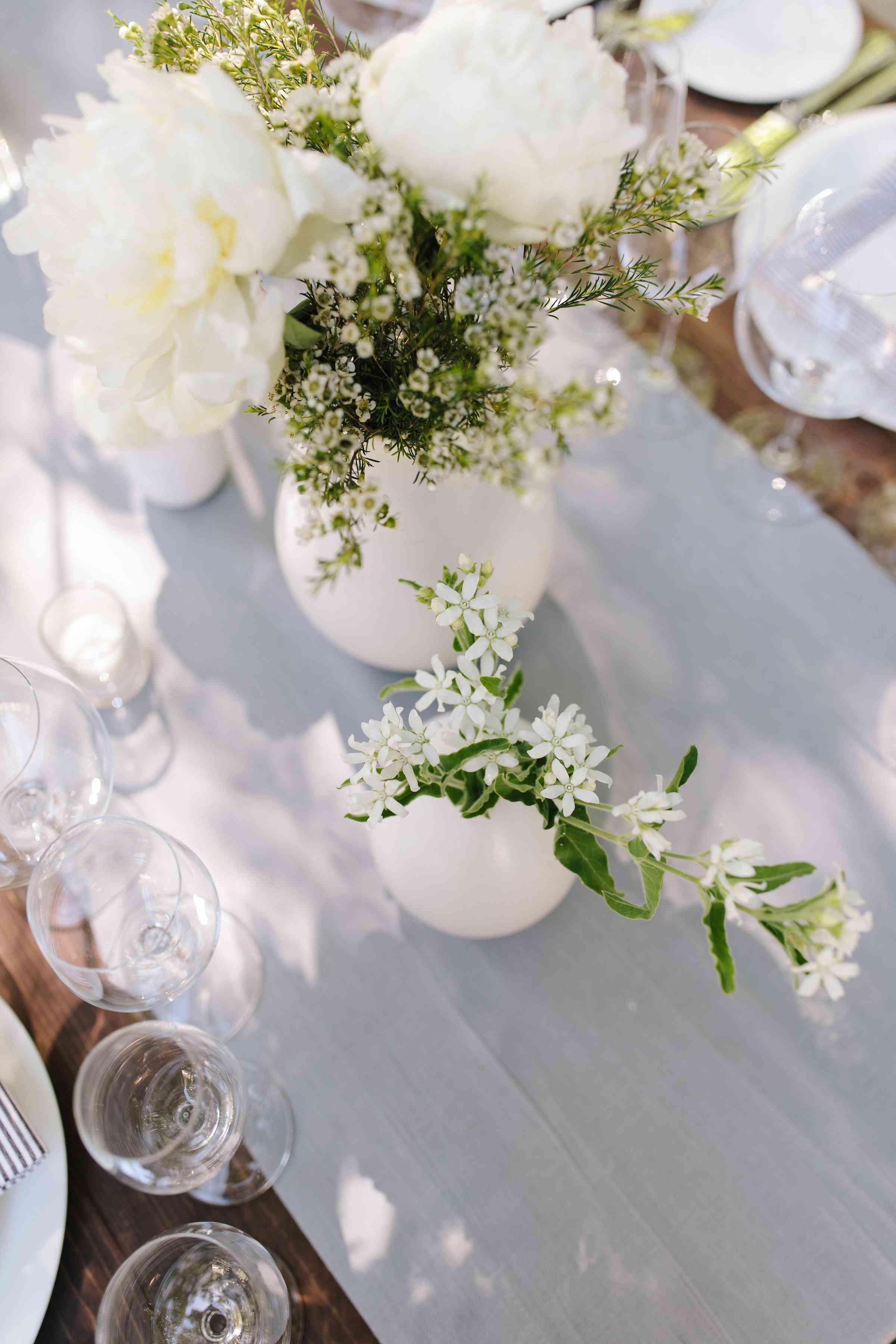 <p>floral centerpieces</p><br><br>