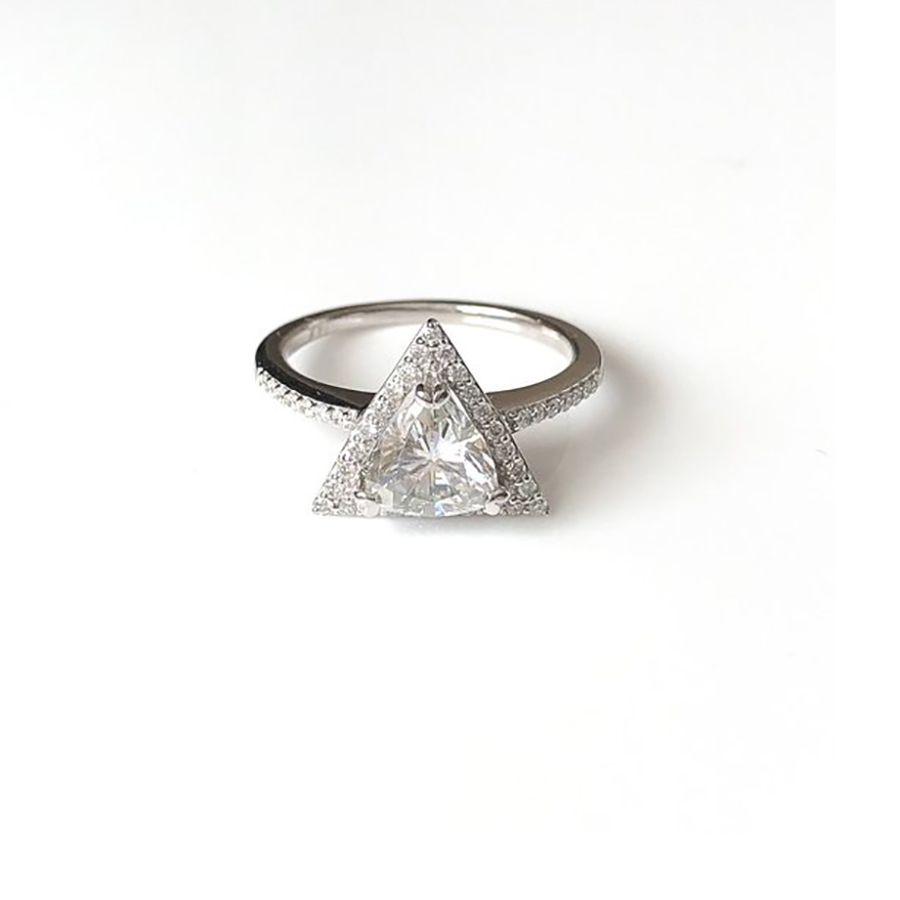 TrudyGems Trillion-Cut Ring