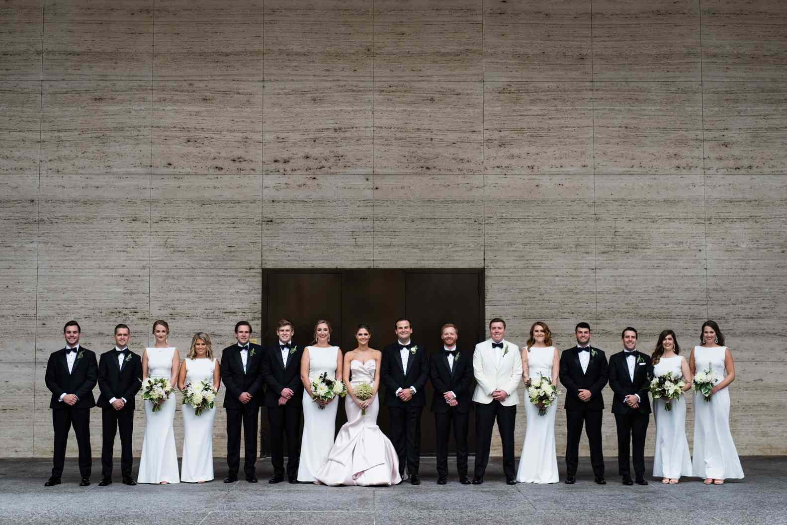 The wedding party portrait