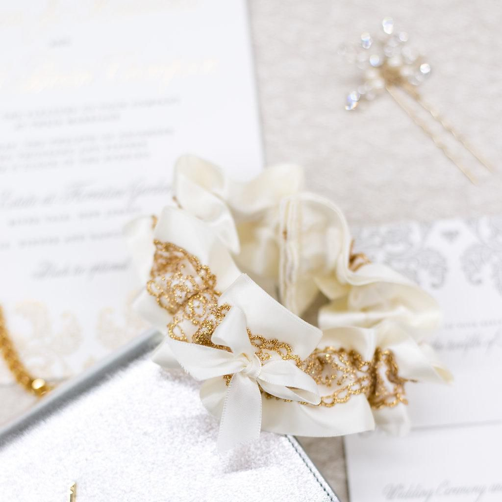 Wedding Garter Traditions Old New Everything You Need To Know