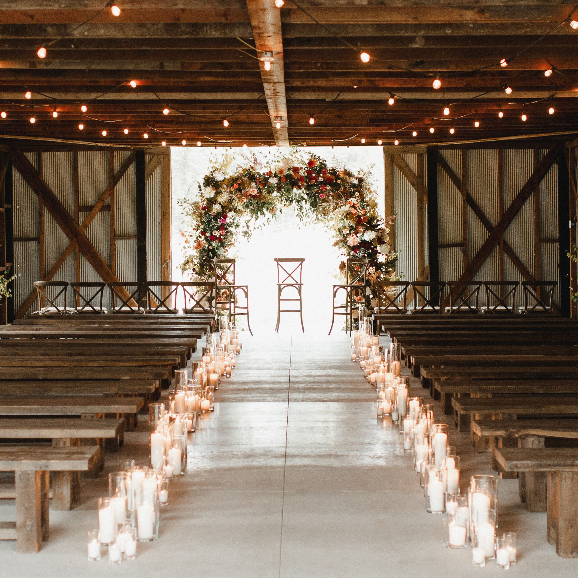 10 Beautiful Ways to Decorate Your Wedding Aisle