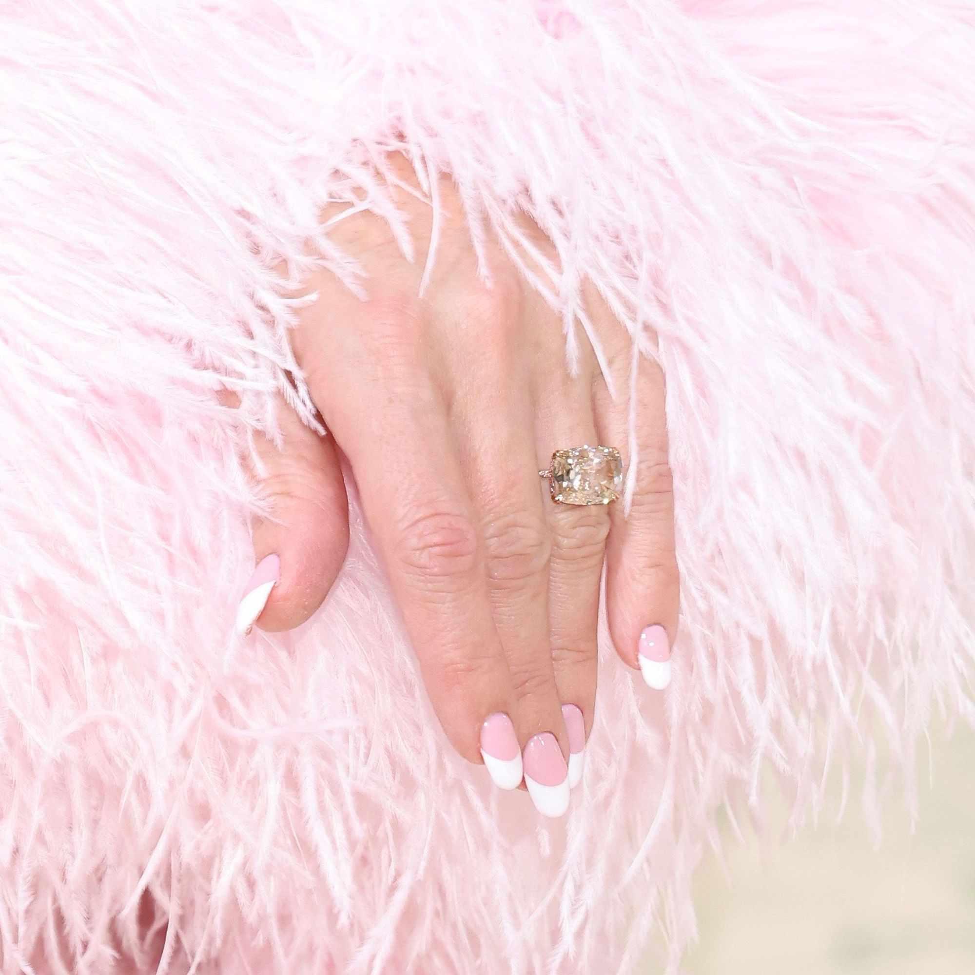 Kate Hudson engagement ring