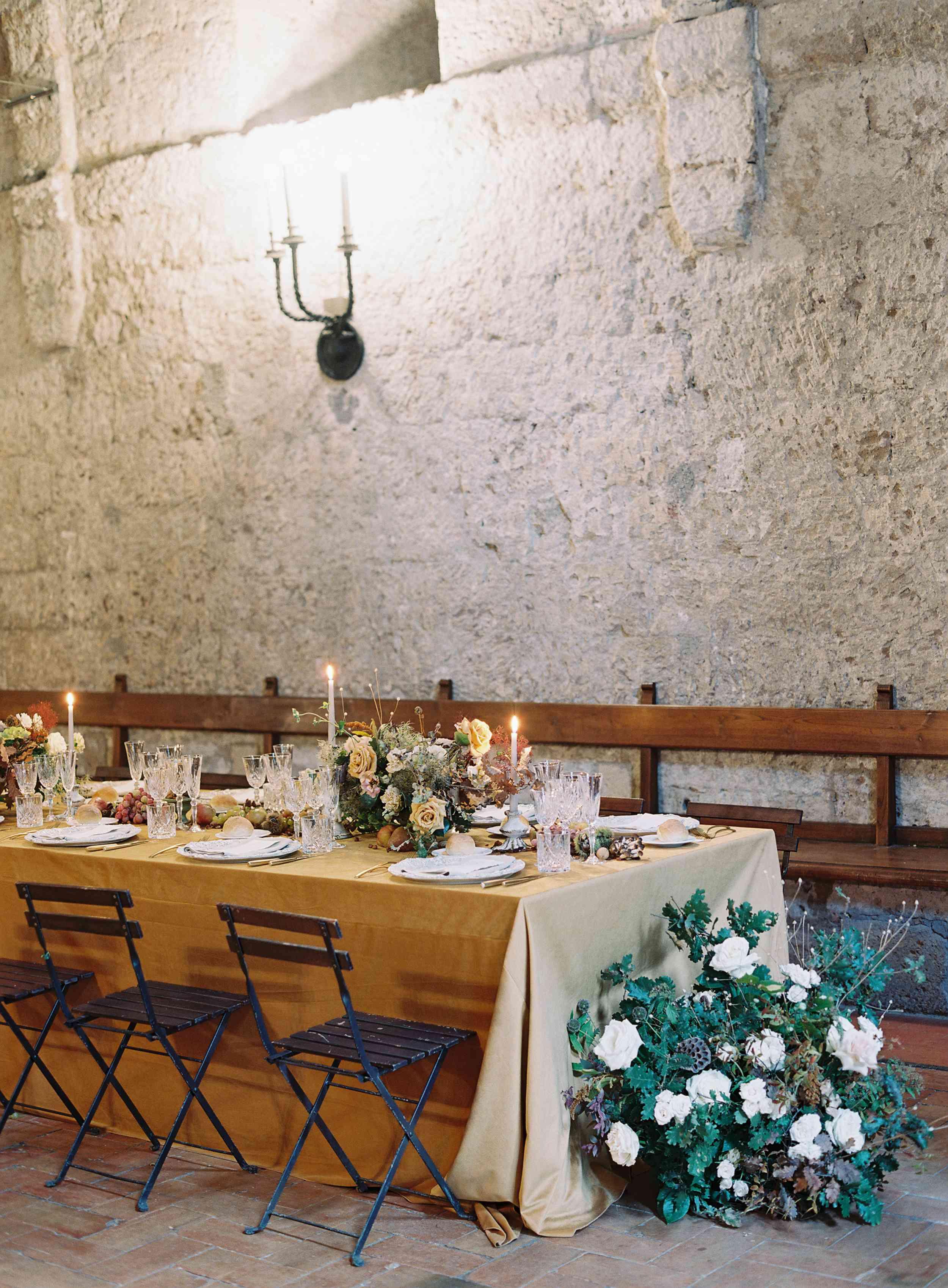 classic la badia italian wedding, romantic reception tablescape