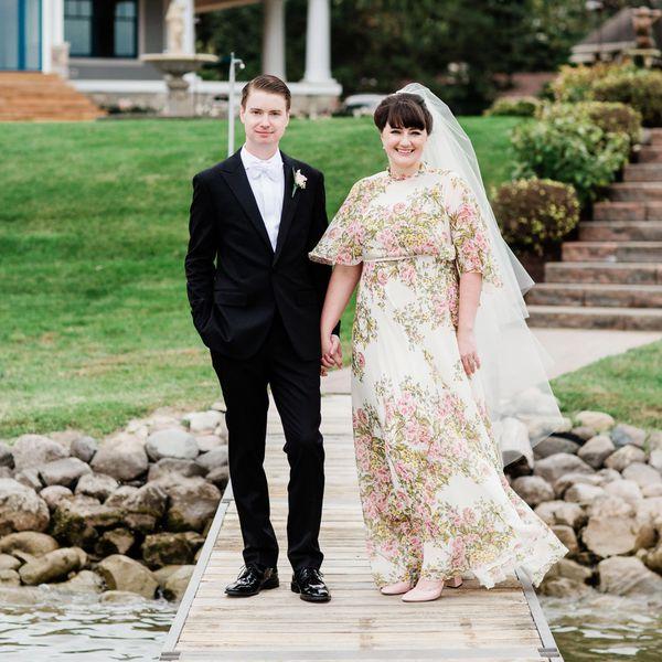 picnic wedding, couple on dock