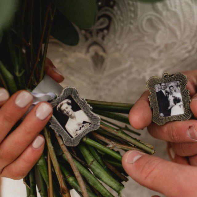 photo pendant bouquet charm