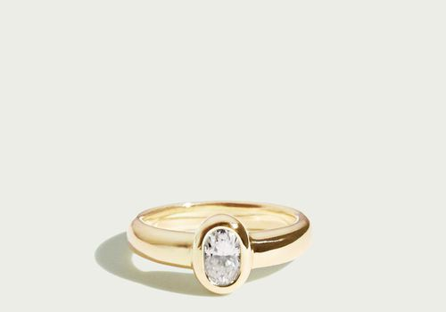32 Stunning Oval Engagement Rings