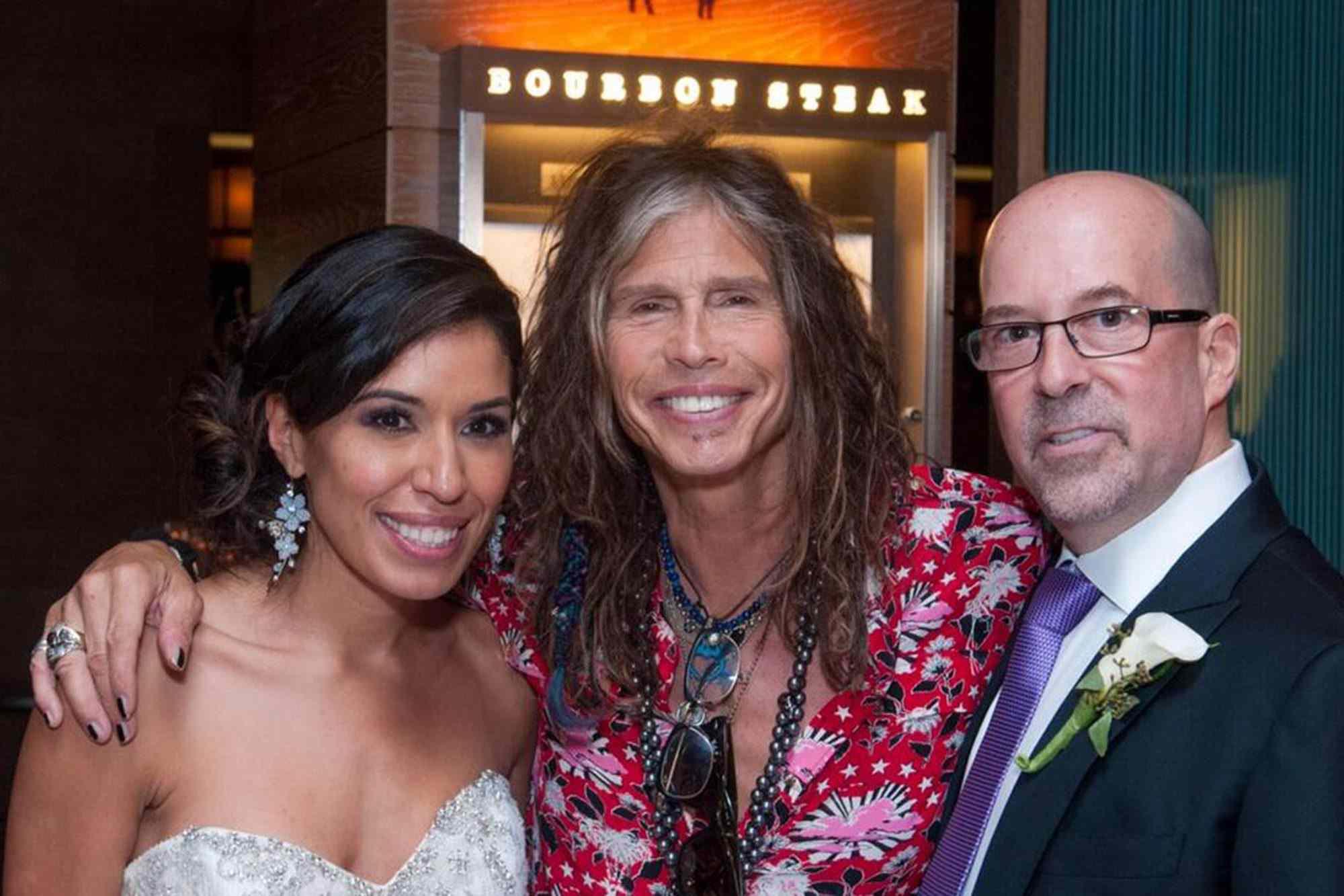 Steven Tyler crashes wedding photos