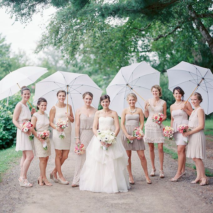 25 Wedding Photos That Prove Rain On Your Big Day Isn't A