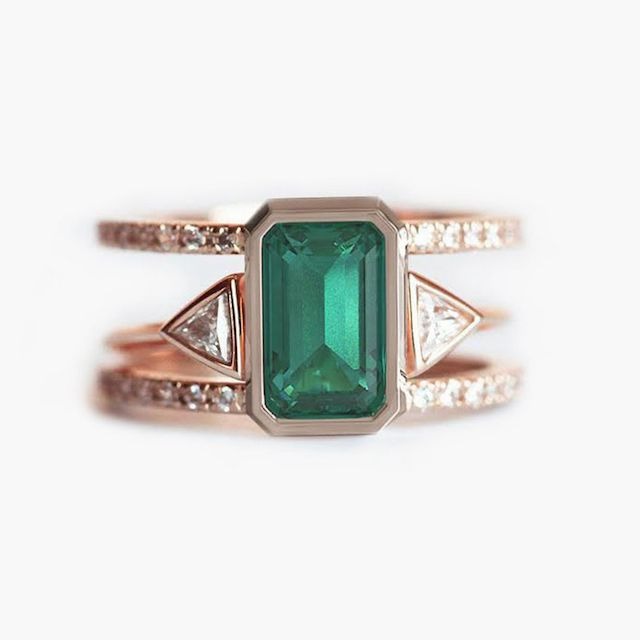 Capucinne Set of Emerald and Diamond Double Band Ring