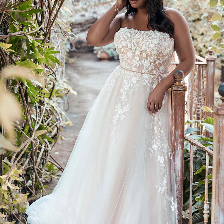 30 Floral Wedding Dresses