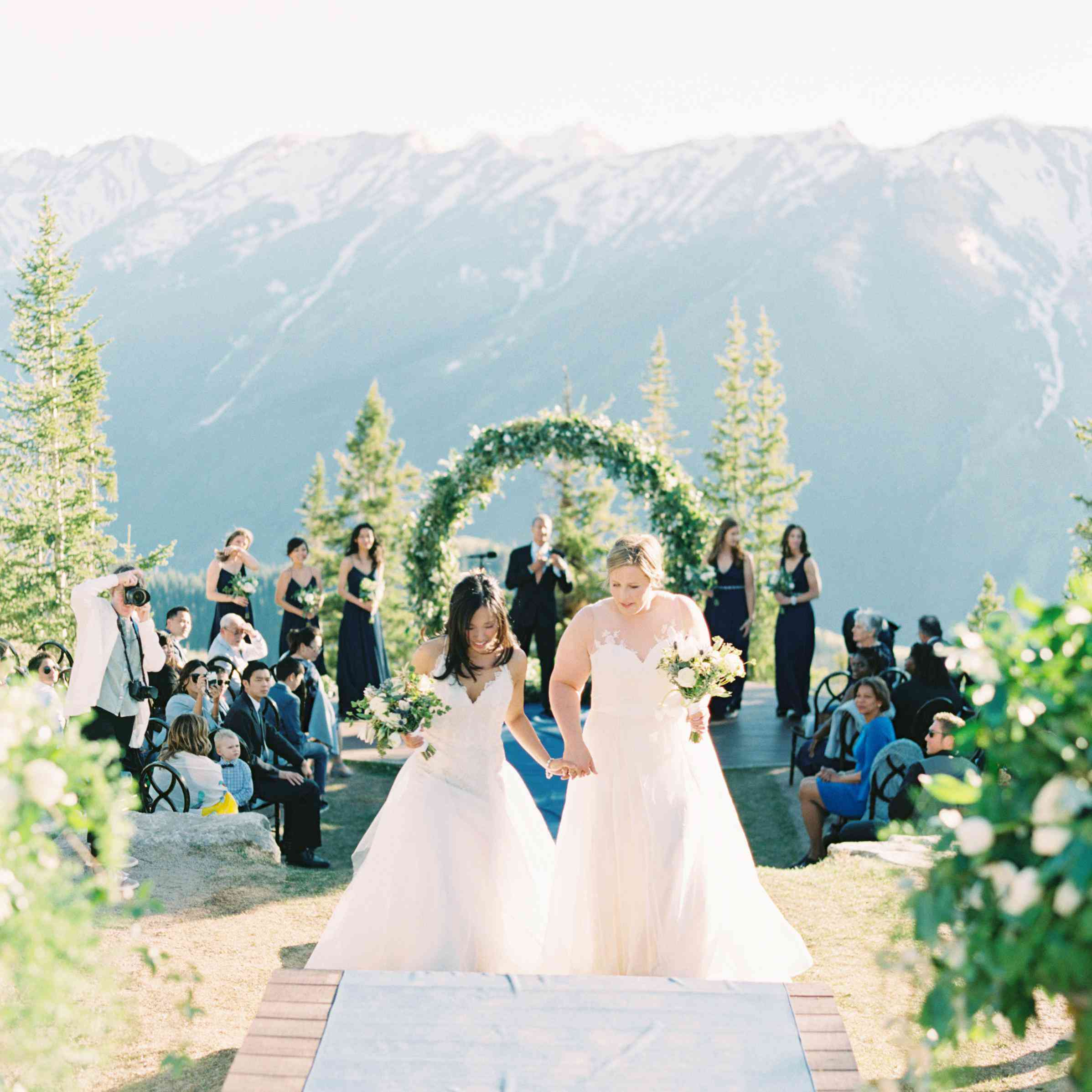 Wedding Ideas Spring: 10 Spring Wedding Themes That Are In Bloom For 2019