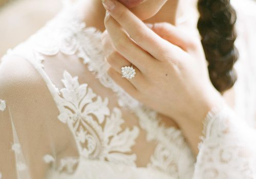 31 Pear Shaped Engagement Rings For Every Bride