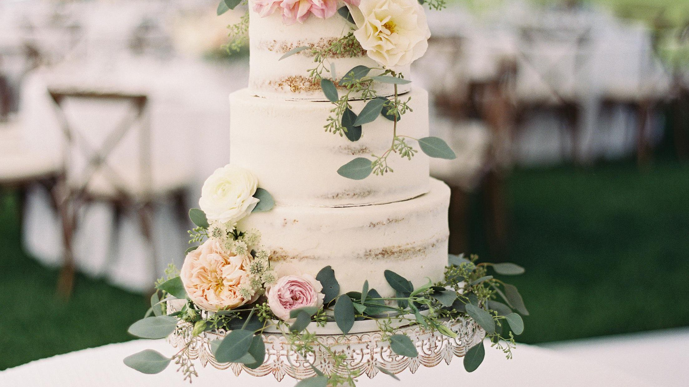 27 Pretty Wedding Cakes That Are Ready For Spring See more ideas about cake, cupcake cakes, cake decorating. 27 pretty wedding cakes that are ready