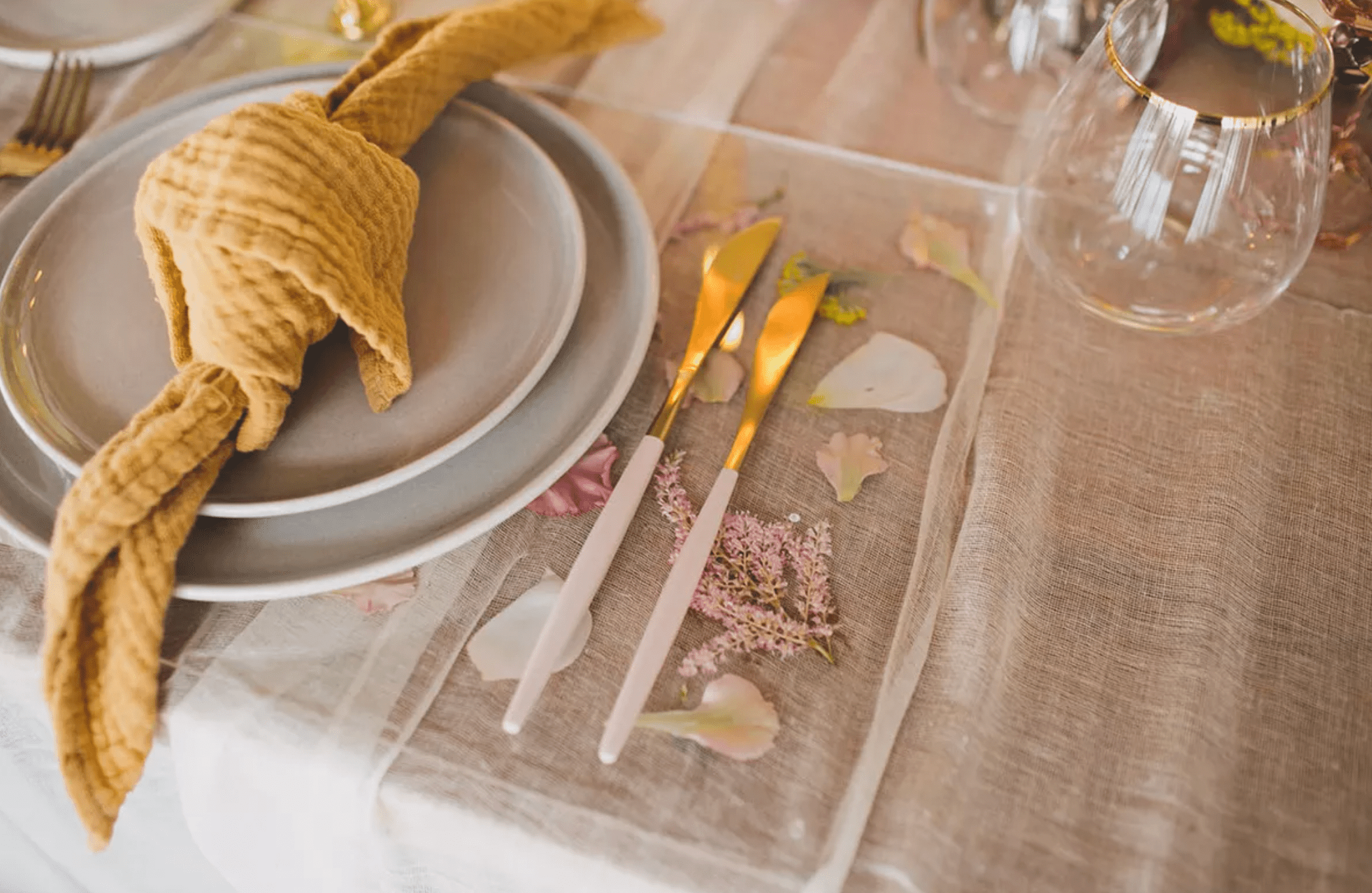 Placemat with pressed flowers