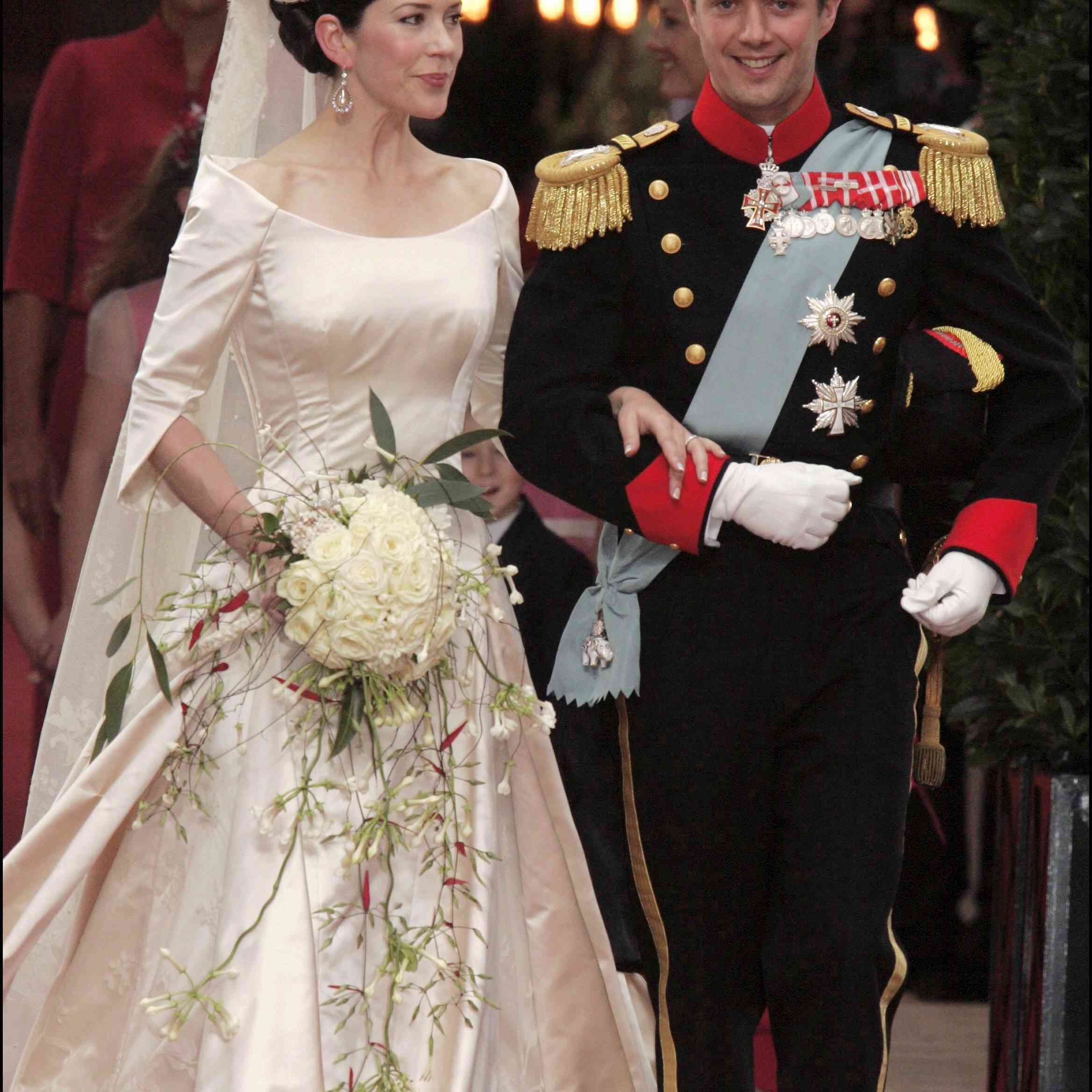 36 royal wedding bouquets throughout history 36 royal wedding bouquets throughout