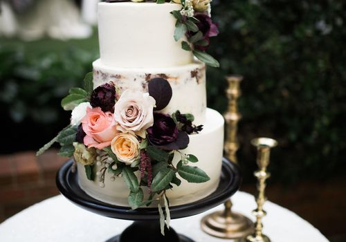 Wedding Cake with Dark Tones and Roses