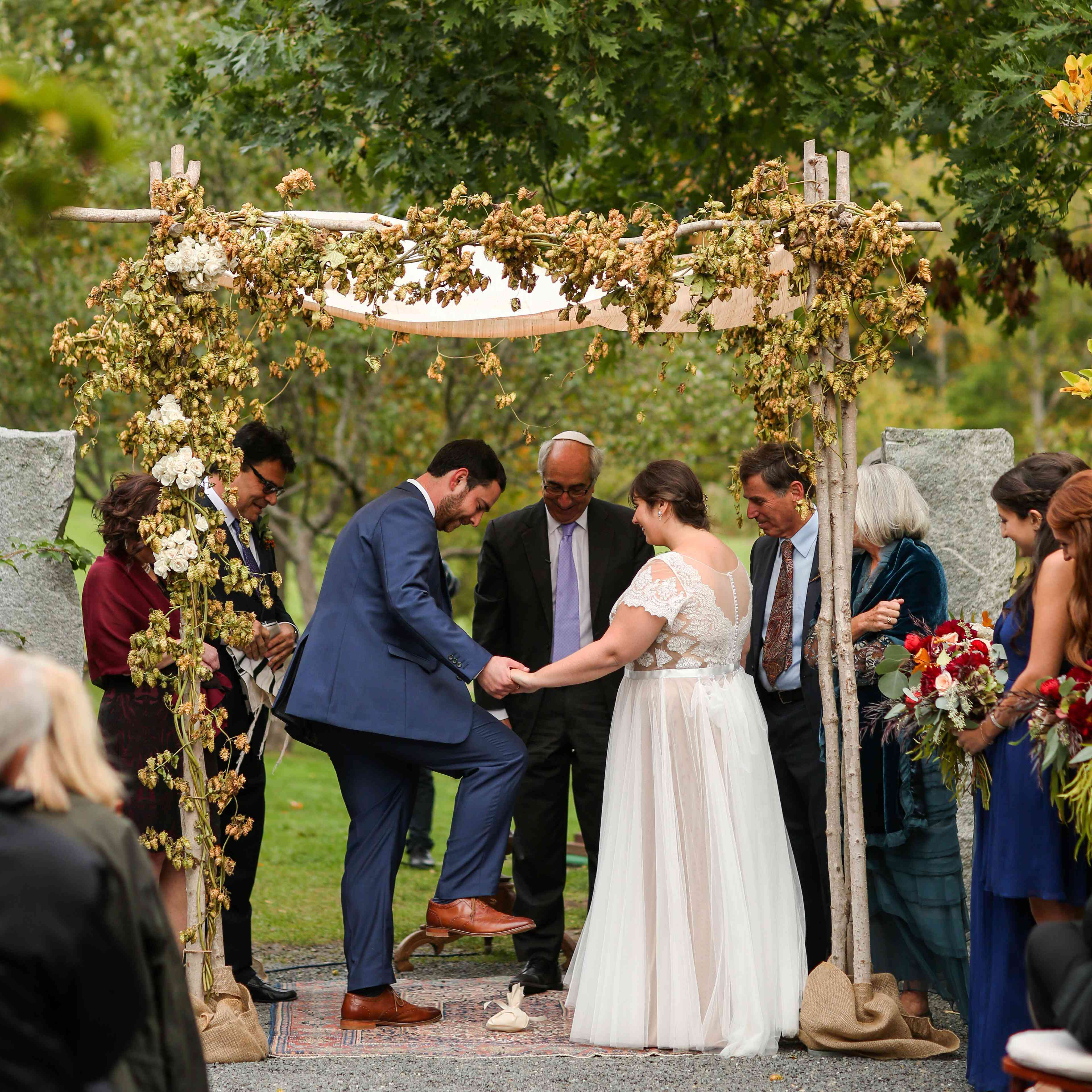 Jewish Wedding Traditions.10 Jewish Wedding Traditions Rituals You Need To Know