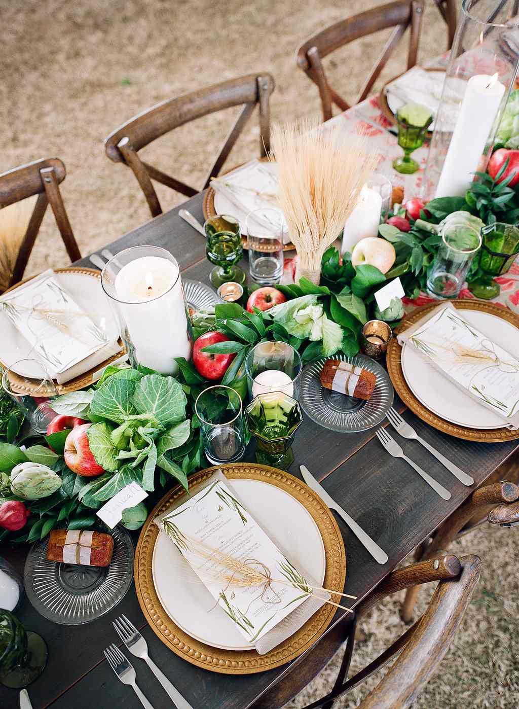 reception table garland