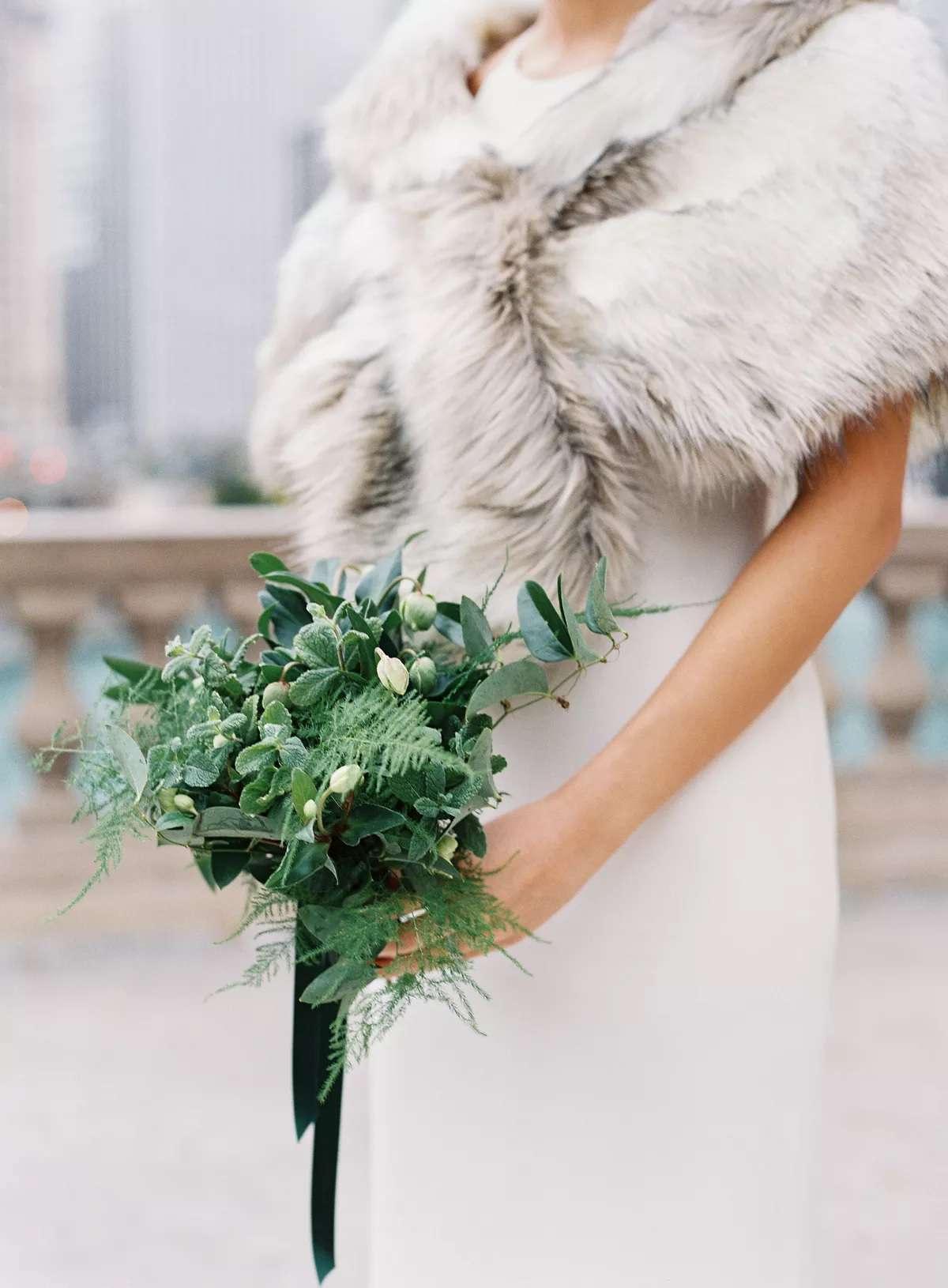 mint leaves in bouquet