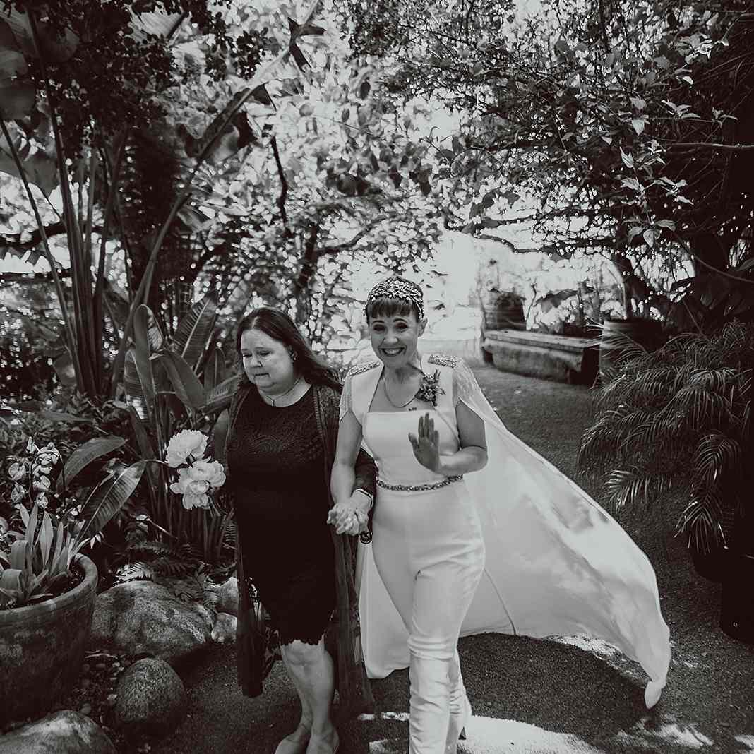 hannah with mom