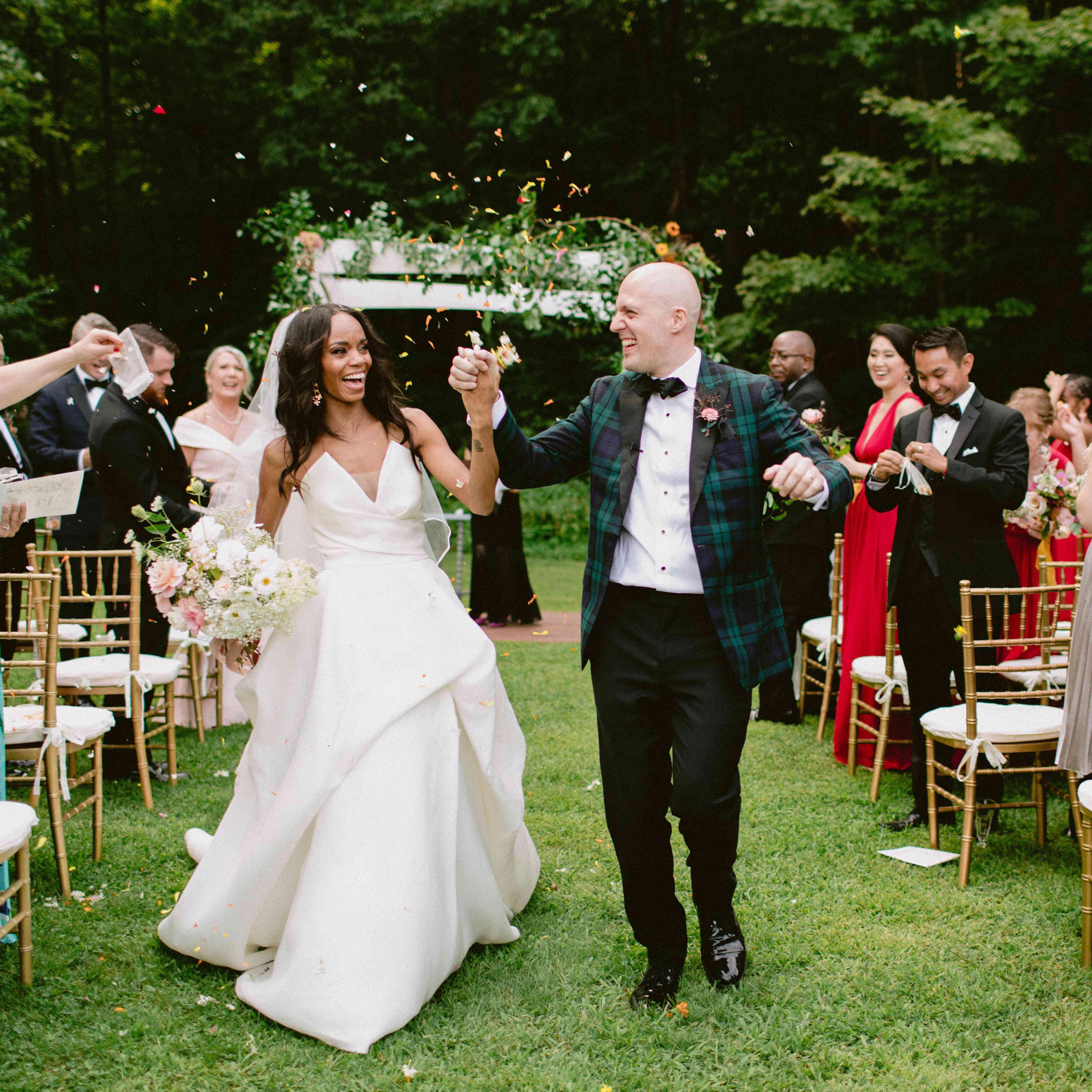 Small Wedding Photo Ideas: 61 Summer Wedding Ideas We Can't Get Enough Of