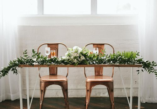 30 Minimalist Wedding Ideas for the Cool Bride