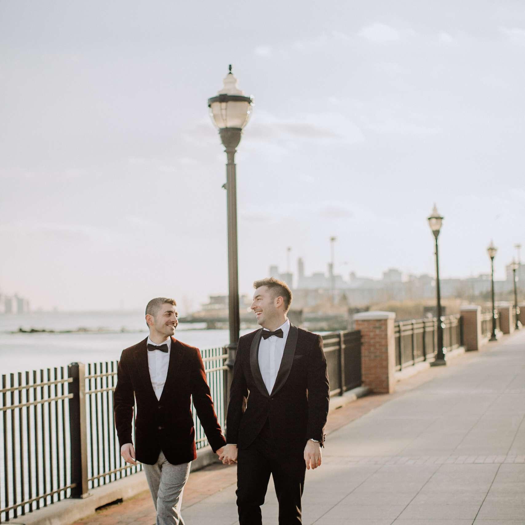 grooms winter wedding