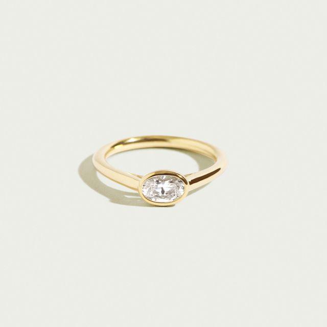 Ceremony Dahlia Oval Ring