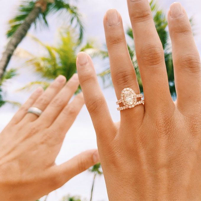 Which Hand Does A Wedding Ring Go On.91 Engagement Ring Selfies We Love