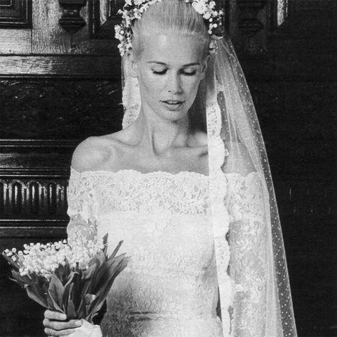 Claudia Schiffer marries Matthew Vaughn in Valentino, 2002