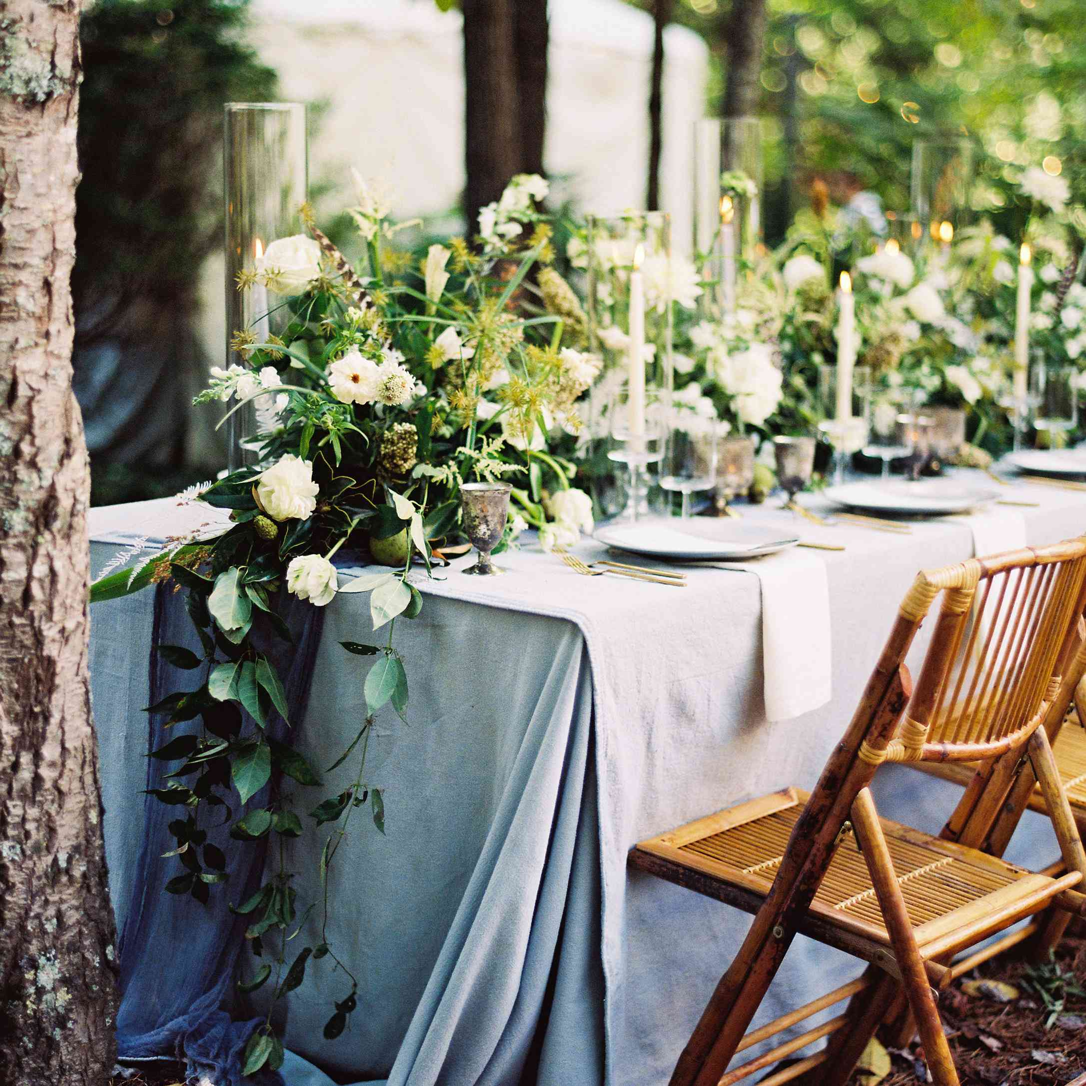<p>wedding reception table</p>