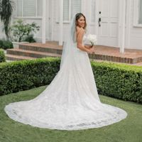Jenna Ushkowitz in wedding dress