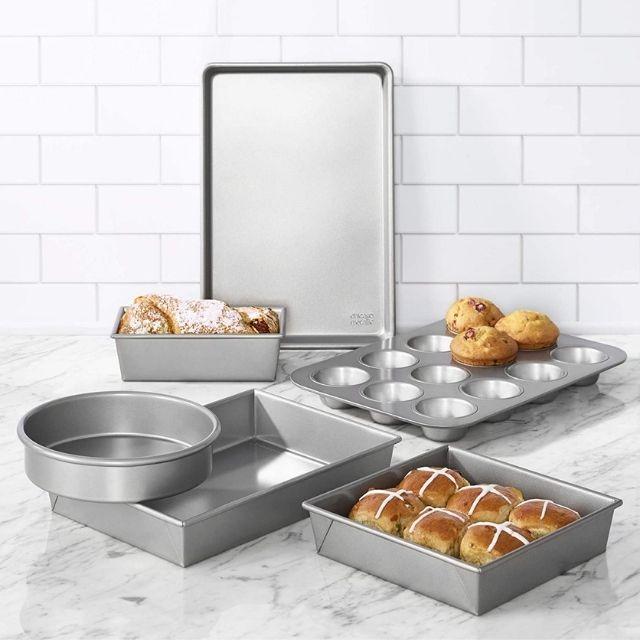 Chicago Metallics 6-Piece Commercial II Non-Stick Bakeware Set