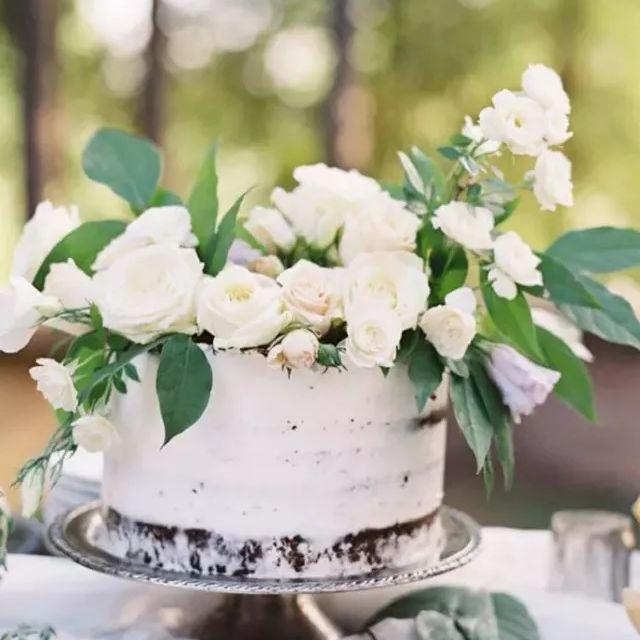 single tier chocolate wedding cake