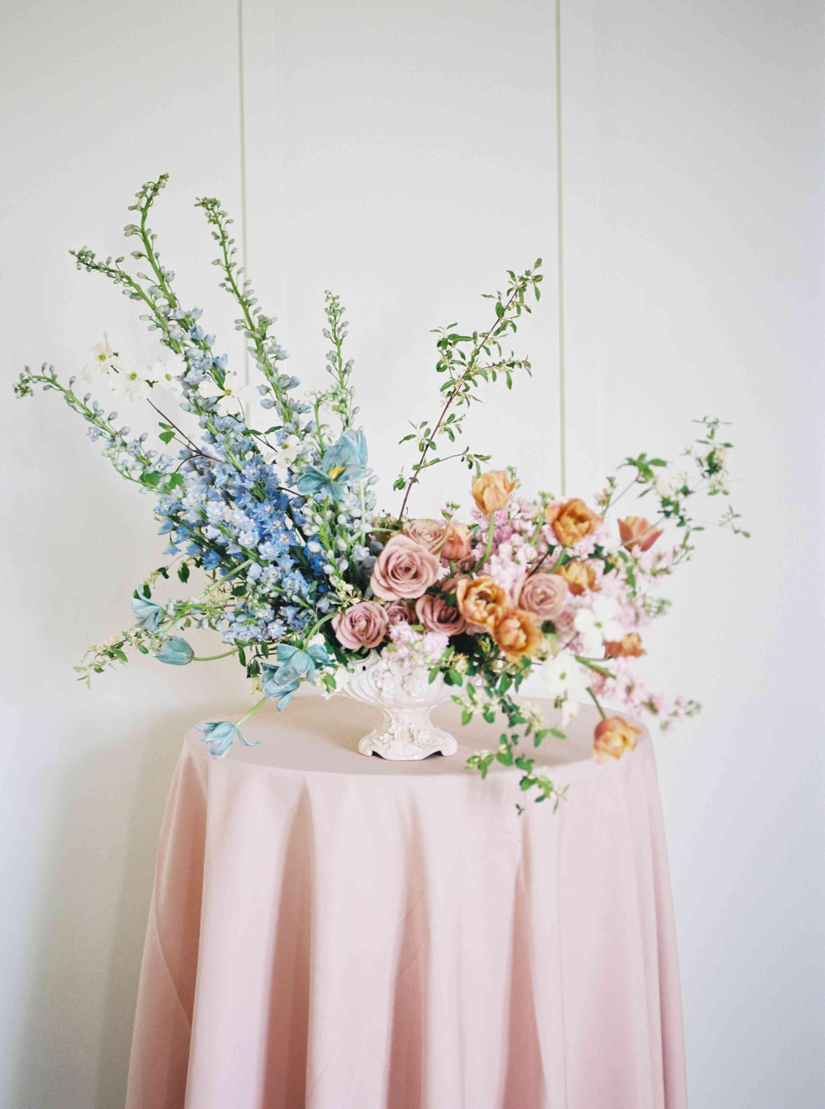 flower arrangement with long stems