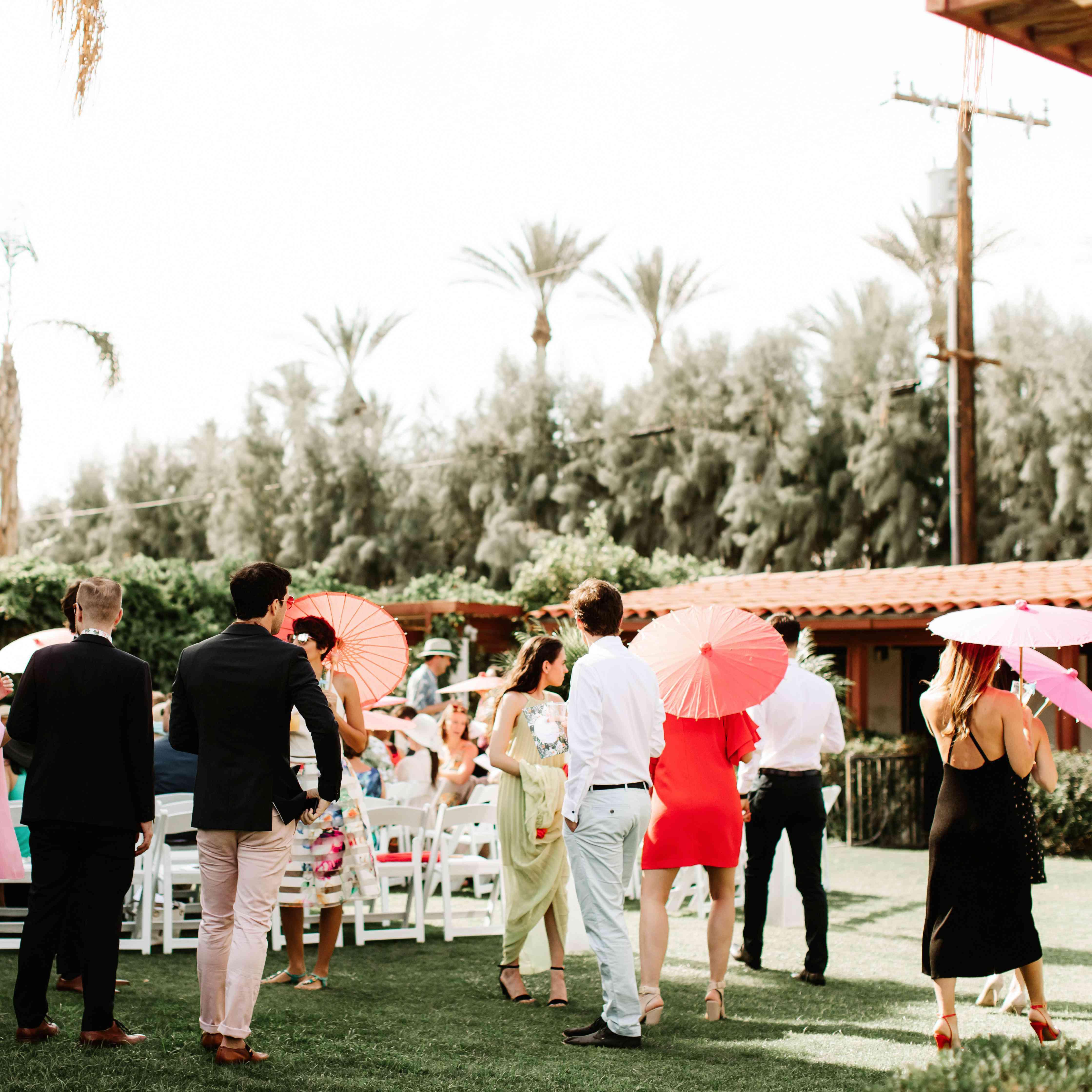 Backyard Wedding Decor For Your Outdoor Ceremony