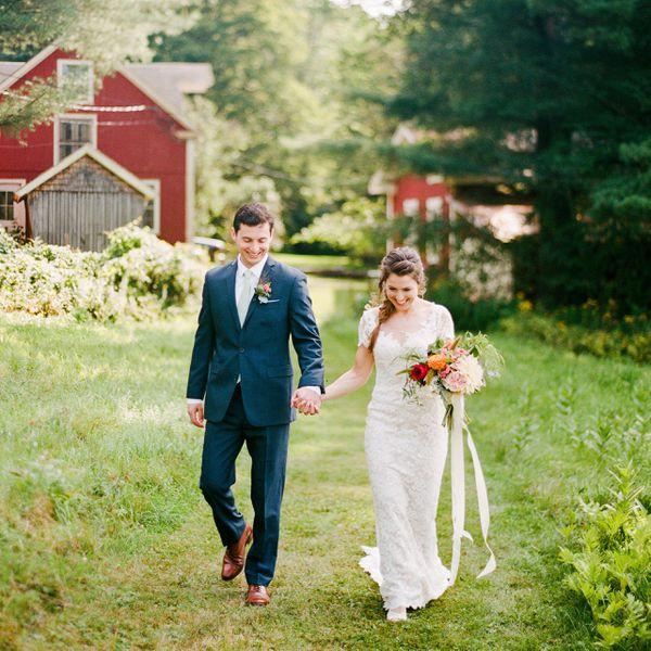11 Seasonal Wedding Cake Ideas For A Winter Wedding