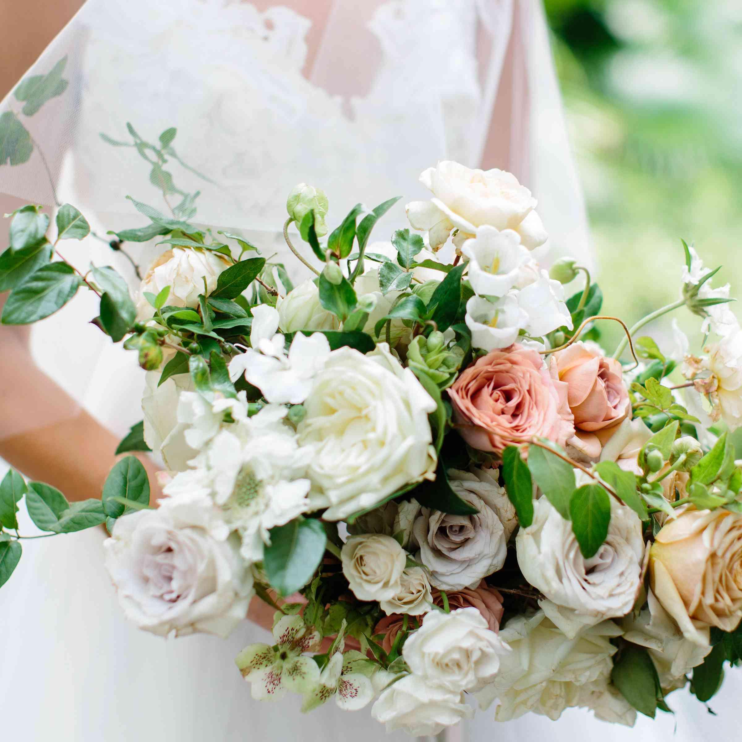 Wedding White Point Gardens Charleston Sc: A Lush Lowcountry Wedding In Charleston