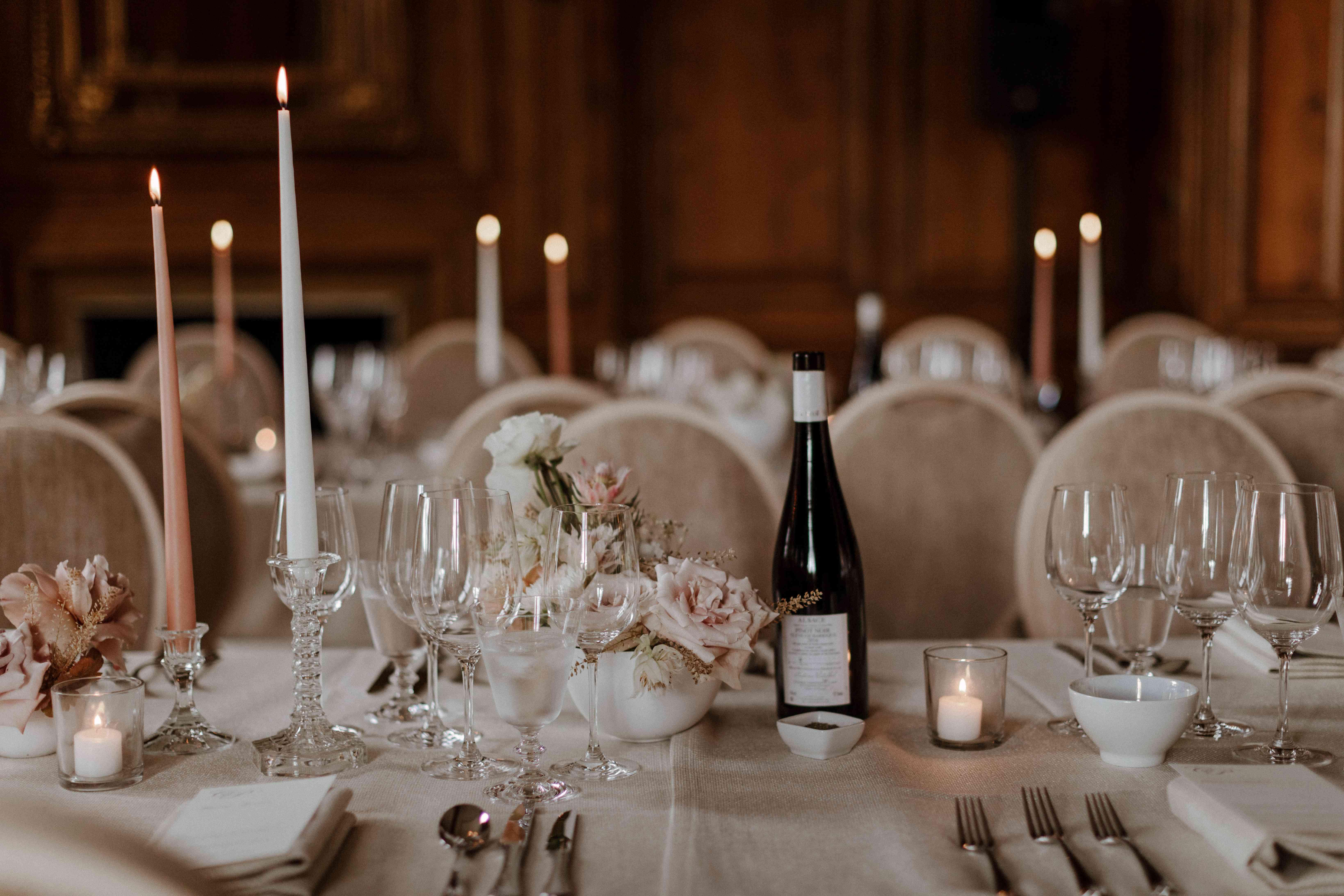 Neutral romantic tablescape
