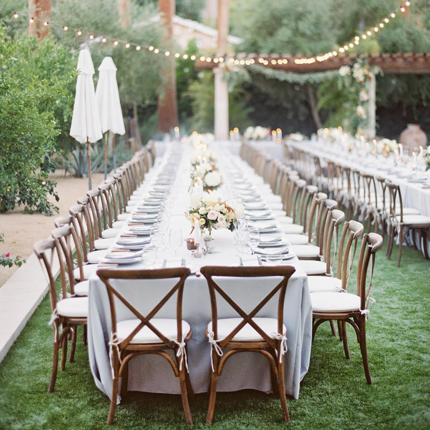 23 Beautiful Banquet-Style Tables For Your Wedding Reception