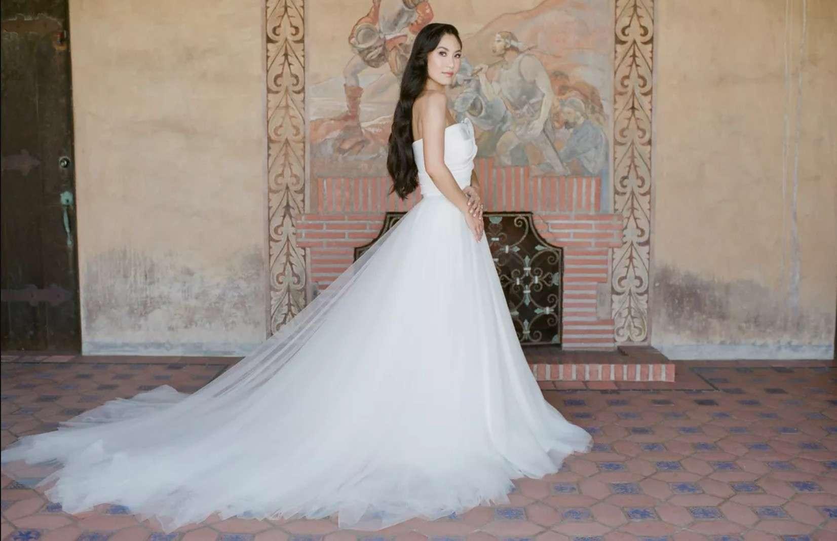 bride in strapless gown