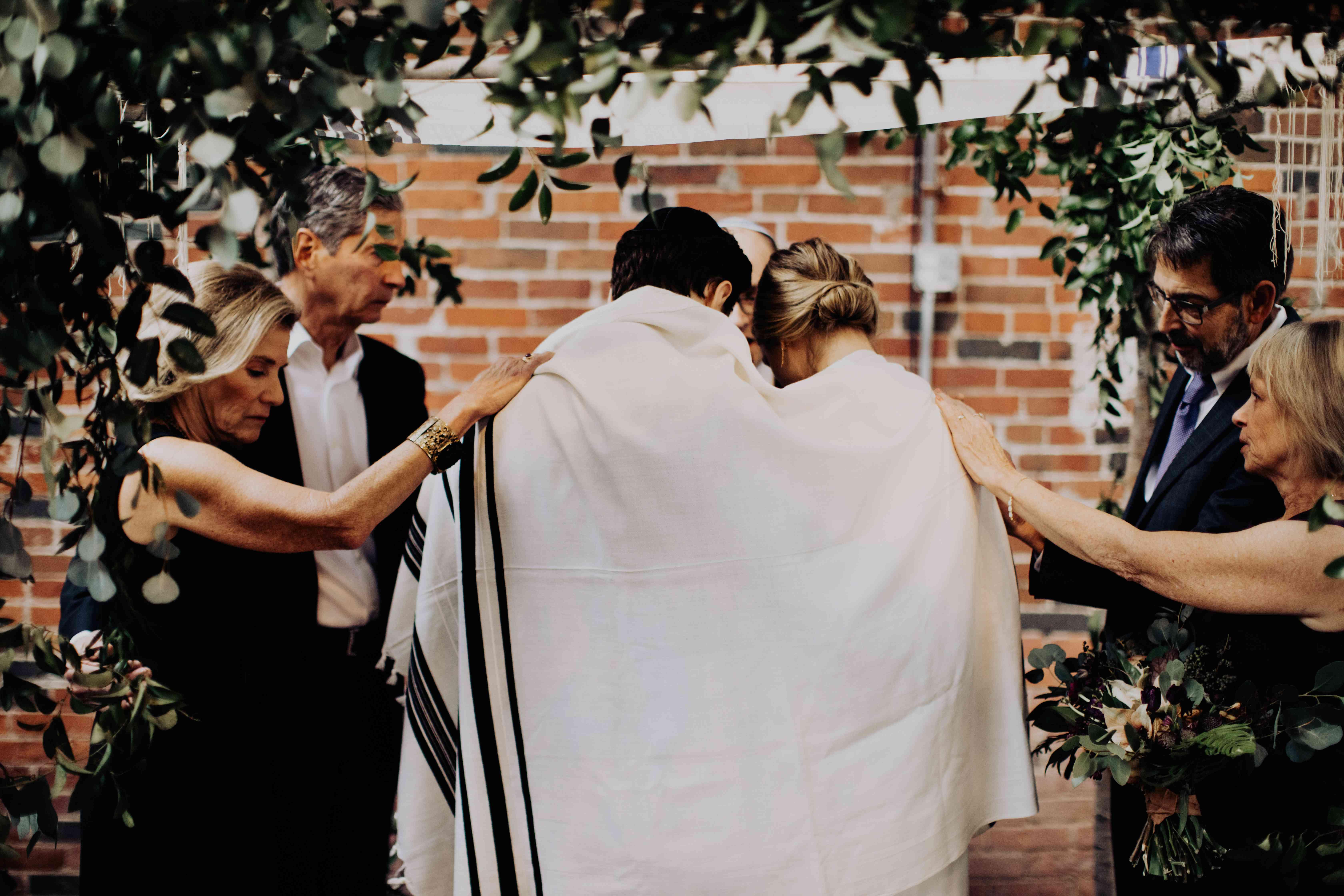 <p>jewish wedding traditions</p><br><br>