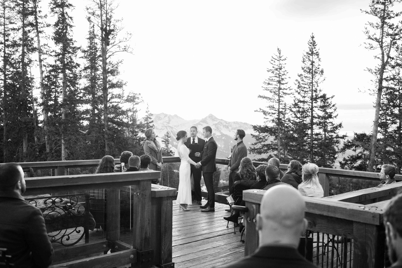 bride and groom winter ceremony