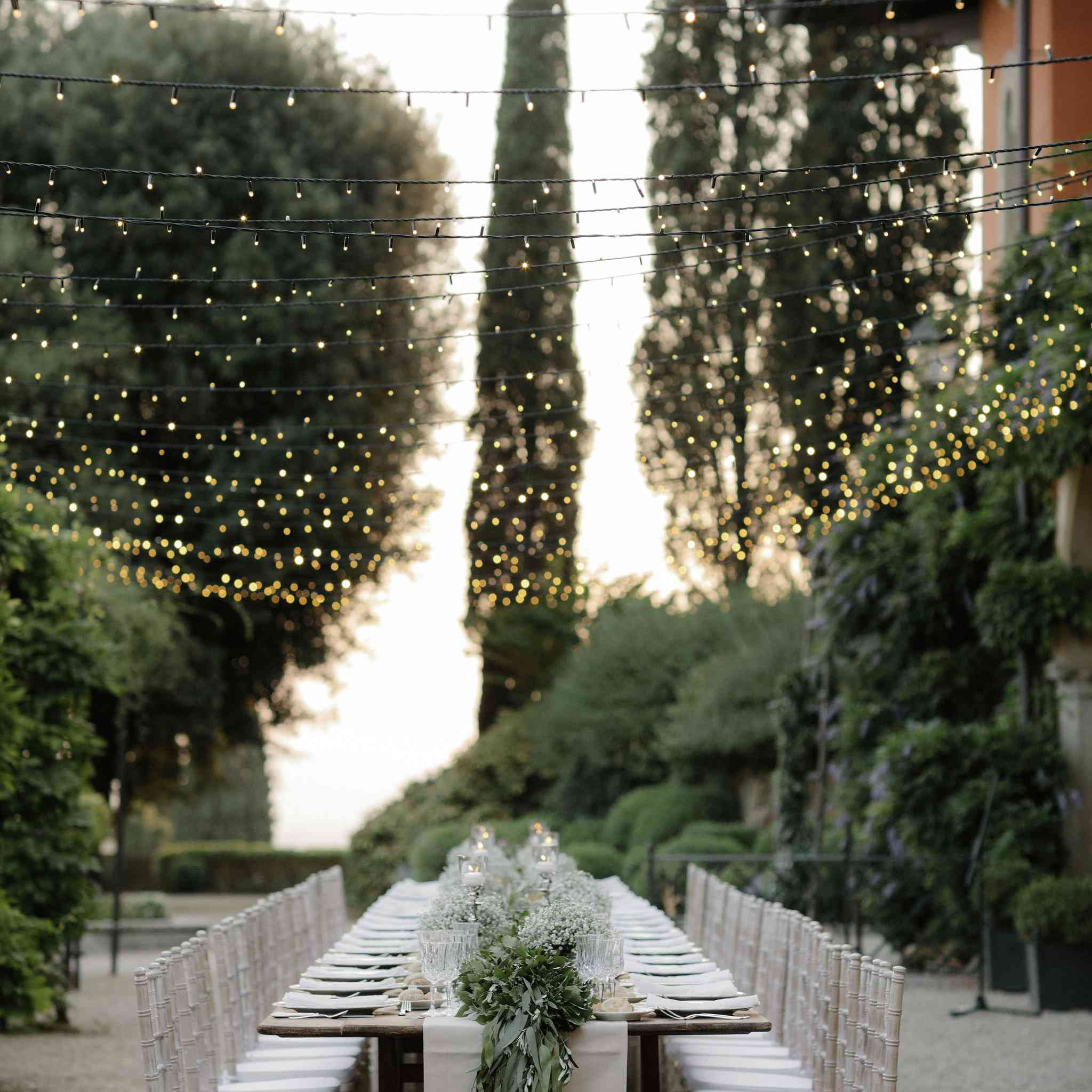 Outdoor reception table and lighting