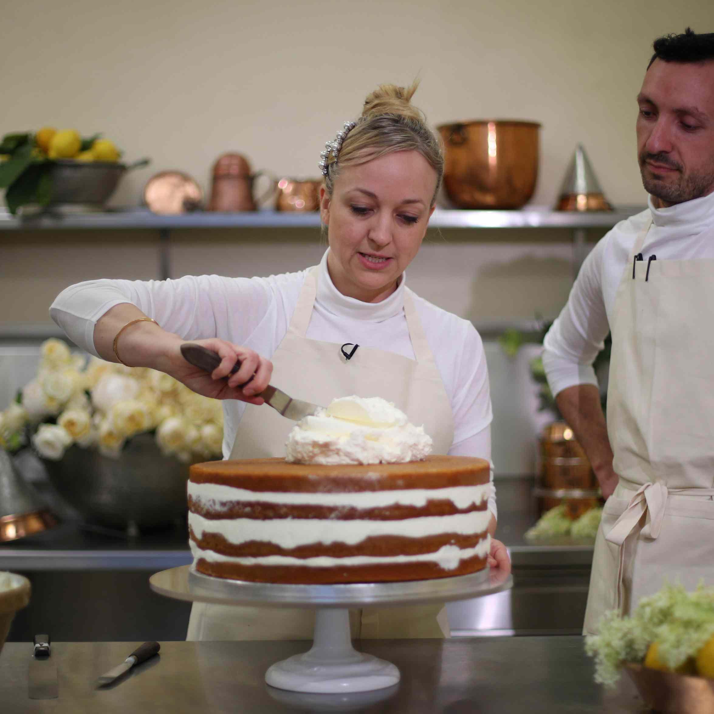 Meghan Markle Wedding Cake.Prince Harry And Meghan Markle S Wedding Cake Is Almost Too