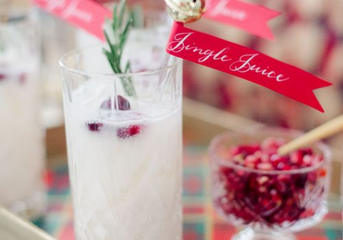 """Winter wedding cocktail with """"Jingle Juice"""" tag"""