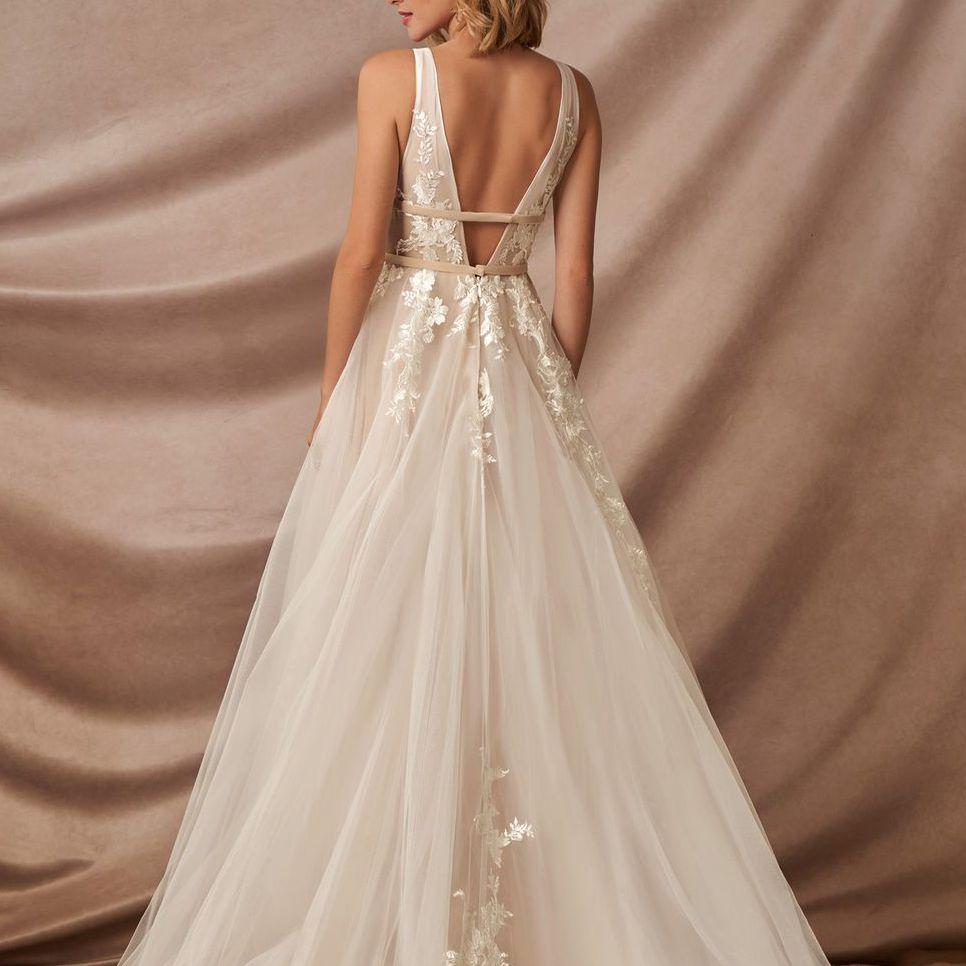 deep-v back gown