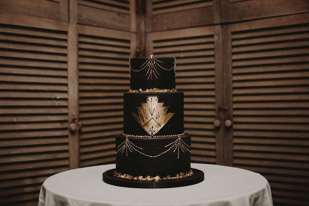 Bold Art-Deco themed wedding cake