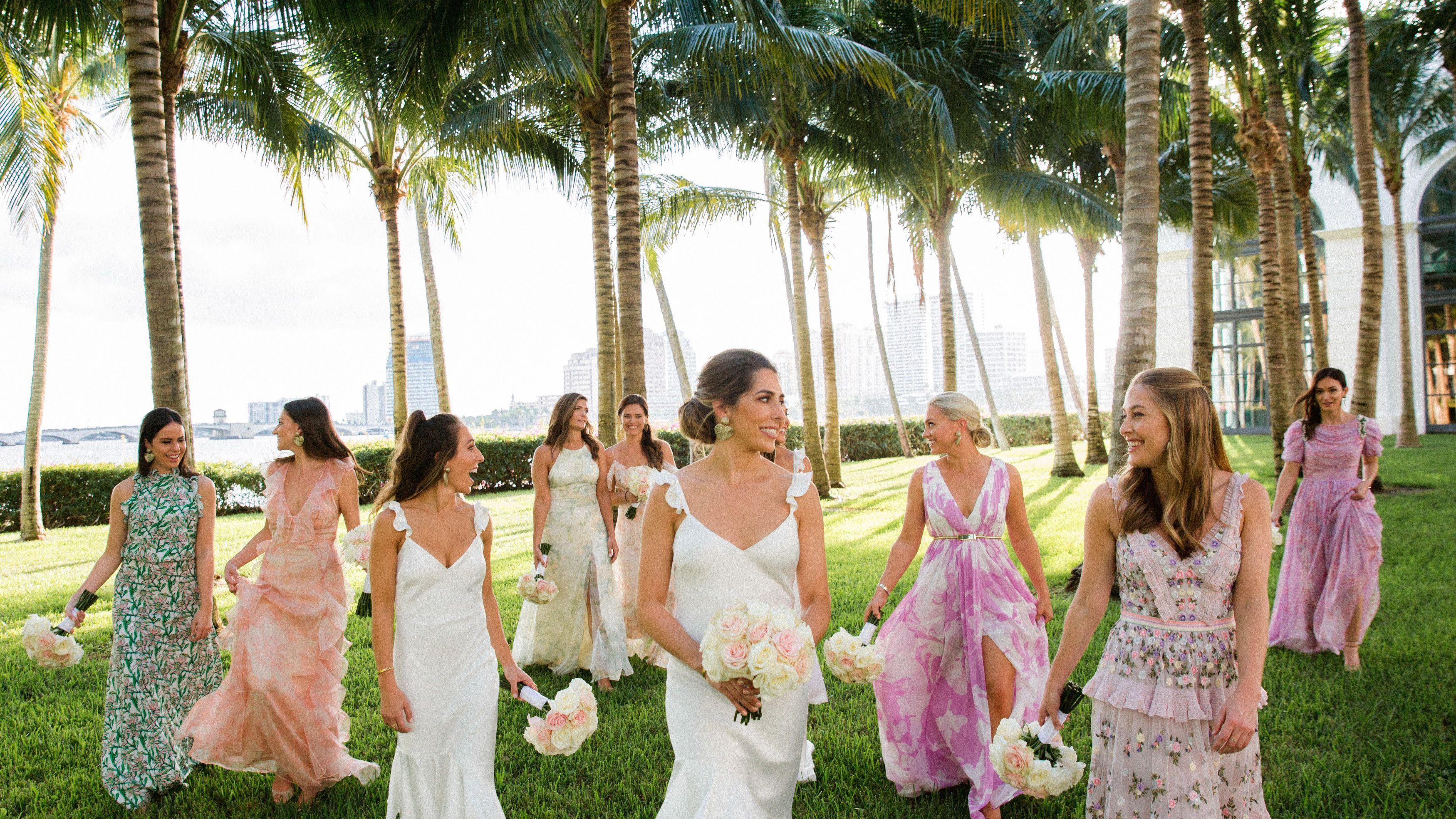 28 Ways To Style Your Wedding Party
