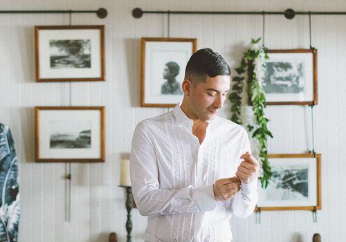 <p>groom getting ready</p>